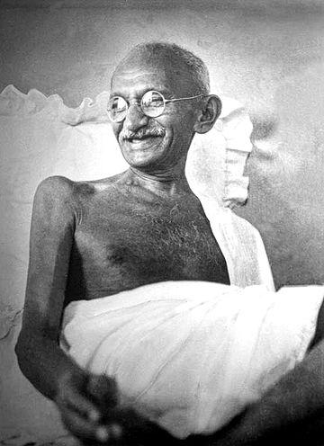 360px-Gandhi_smiling_1942