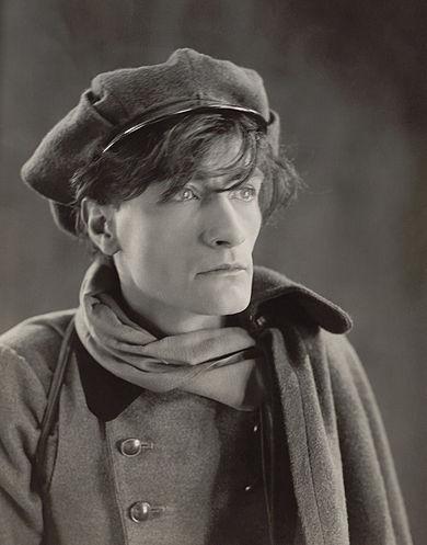 390px-Antonin_Artaud_1926