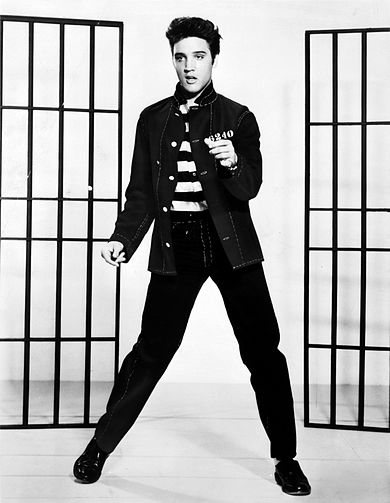 390px-Elvis_Presley_promoting_Jailhouse_Rock