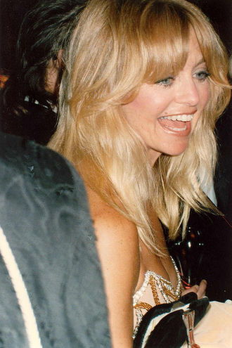 330px-Goldie_Hawn_at_1989_Oscars