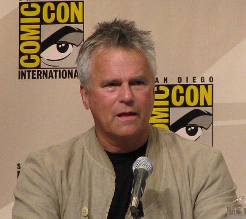 500px-Richard_Dean_Anderson_Comic_Con_2008