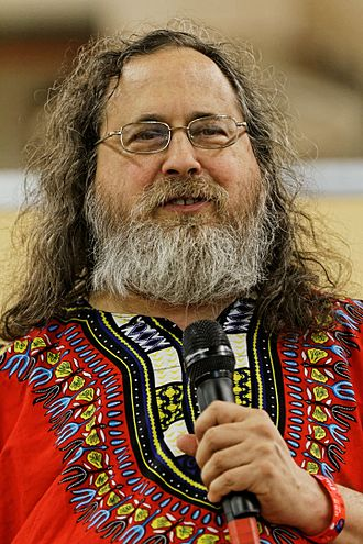 330px-Richard_Stallman_-_F%C3%AAte_de_l%27Humanit%C3%A9_2014_-_010