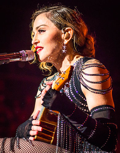 390px-Madonna_Rebel_Heart_Tour