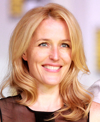 410px-Gillian_Anderson_2013_%28cropped%29
