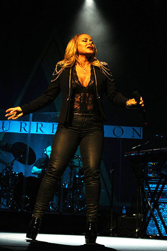 330px-Anastacia_Resurrection_Tour_%2817309309372%29