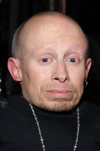 330px-Verne_Troyer_%282009%29