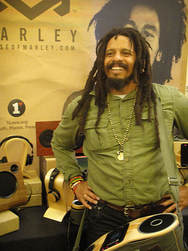 370px-CES_2012_-_House_of_Marley_%28Rohan_Marley%29