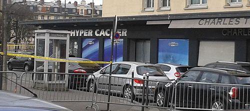 500px-Hyper_Cacher_porte_de_Vincennes_attentat_8