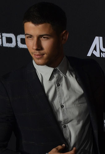 340px-Nick_Jonas_-_Kingdom_Premiere_Oct_2014_%28cropped%29_%28cropped%29